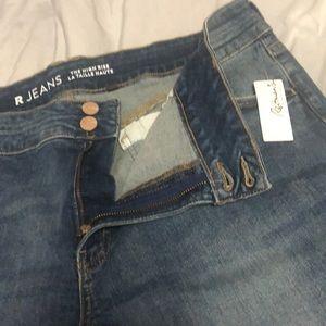 Reitmans jeans size 36. Brand new